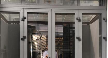 Vì sao bạn nên mua cửa nhôm kính cường lực?